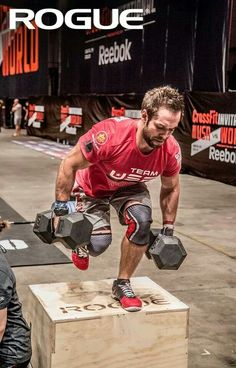 Here are the 5 Best CrossFit Shoes to look Sharp at the gym - Outdoor Click Crossfit Gloves, Crossfit Men, Crossfit Motivation, Reebok Crossfit, Crossfit Athletes, Sport Motivation, Fitness Gym, Rogue Fitness, Mens Fitness