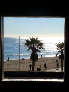 Barcelona beach in the winter www.freegreenbeans.com