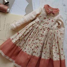 New sewing dolls for kids american girls Ideas - Babykleidung Baby Girl Dress Design, Baby Girl Dress Patterns, Doll Dress Patterns, Sewing Patterns, Frocks For Girls, Little Girl Dresses, Girls Dresses, Moda Barbie, Dress Anak