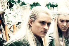"Thranduil face in the back is like ""How could you?!"""
