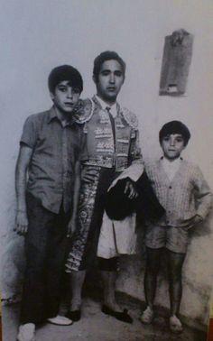 PACO CAMINO, EL CHIQUITIN EMILIO MUÑOZ Y SU HERMANO.