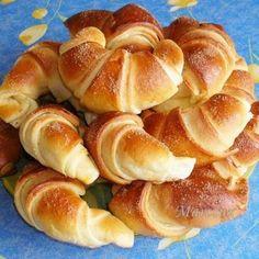 Sajtos pincekifli recept | Mindmegette.hu Sweet Pastries, Bread And Pastries, Savory Pastry, Hungarian Recipes, Fun Easy Recipes, Food Humor, Dessert Recipes, Desserts, Winter Food