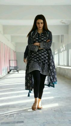 Pakistani Fashion Casual, Pakistani Dresses Casual, Pakistani Dress Design, Indian Fashion, Casual Dresses, Casual Wear, Dress Indian Style, Indian Dresses, Indian Outfits
