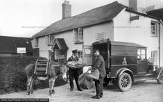 View some stunning imagery of People & Characters Vintage Cars, Vintage Photos, Antique Cars, Working People, Royal Mail, British History, Post Office, Motor Car, Recreational Vehicles