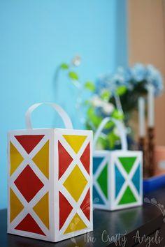 DIY paper lantern for diwali, paper lantern tutorial, diwali aakash kandil, aaka. Diwali Craft For Children, Diy For Kids, Crafts For Kids, Home Design, Diwali Lantern, Crafty Angels, Diy Diwali Decorations, How To Make Lanterns, Lantern Making