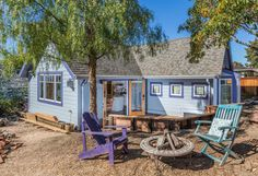 El Cerrito Paradise | Small House Swoon....pinning some inside pics, too. This is a great small home