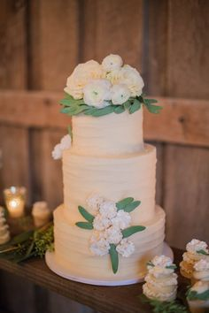 Indiana Wedding: Ethereal Barn Inspiration Shoot - MODwedding