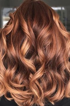 Hair Colors That Will Be Huge in 2019 Go big or go home! If you're feeling the warm coppers of summer, why not go all out?Go big or go home! If you're feeling the warm coppers of summer, why not go all out? Hair Color Auburn, Red Hair Color, Hair Color Balayage, Auburn Balayage, Copper Balayage Brunette, Hair Color Caramel, Hairstyles Bangs, Summer Hairstyles, Wedding Hairstyles