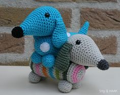 Free Amigurumi Dachshund Pattern : Dachshund friendly and curious amigurumi dachshunds and ravelry