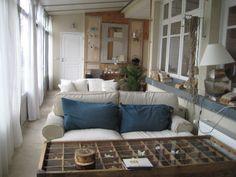 http://laviedebrioche.com/2012/07/11/bel-hotel-la-marine-de-loire-a-montsoreau/  La Marine de Loire, Montsoreau, France