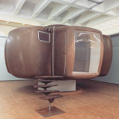 Jean Maneval's space age Maison Bulle bubble house designed in 1965 via tomba79