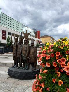 Finland, Mount Rushmore, Garden Sculpture, Mountains, Outdoor Decor, Nature, Travel, Naturaleza, Trips