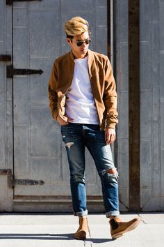 24 Suede Jacket Outfits For Stylish Men - Styleoholic Autumn Fashion 2018, Spring Fashion, Mens Casual Jeans, Cuffed Jeans, Men's Jeans, Mens Fashion Summer Outfits, Men Fashion, Casual Outfits, Fashion Tips