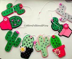 Artículos similares a Felt Cactus garland Handmade felt cactus wall hanging, Felt cactus banner, wall decoration, Succulents, Ready to Ship en Etsy\\. Handmade Felt, Felt Diy, Felt Crafts, Kids Crafts, Diy And Crafts, Paper Crafts, Cactus Craft, Cactus Decor, Hanging Banner