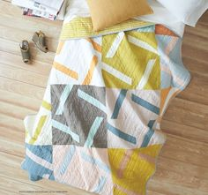 This quilt's unique design will have you staring. Its simple construction may take you for a surprise since the piece looks much more complicated. The sophisticated colorway and design will have you taking A Closer Look. Baby Quilt Patterns, Modern Quilt Patterns, Modern Quilting, Quilting Projects, Quilting Designs, Quilting Ideas, Sewing Projects, Quilt Design, Scrappy Quilts