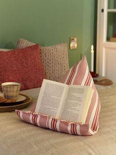 Ob auf dem Sofa oder im Bett, mit dieser Buchstütze können Sie ganz bequem lesen. ohne Nackenschmerzen zu bekommen - eignet sich auch