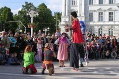 """""""Παιδιά εν δράσει"""": Ψυχαγωγούν τη νεολαία της Θεσσαλονίκης! Greece, Street View, Action, Culture, Greece Country, Group Action"""