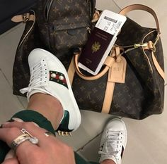 travel in style - luggage - airport - Gucci - sneakers - Louis Vuitton - passport - backpack - keepall - outfit - streetstyle - 2017 - l'Etoile Luxury Vintage Louis Vuitton Handbags, Louis Vuitton Speedy Bag, Louis Vuitton Luggage, Mode Poster, Luxury Lifestyle Fashion, Boujee Lifestyle, Luxury Fashion, Vetement Fashion, Luxe Life