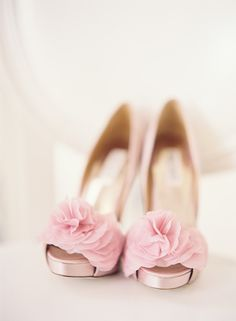 / pink ruffled shoes // photo by SWOON by Katie ~Bride's.by pink shoes to match the bridesmaid dresses Pretty Shoes, Beautiful Shoes, Cute Shoes, Pretty In Pink, Me Too Shoes, Bridal Shoes, Wedding Shoes, Bridal Footwear, Wedding Girl