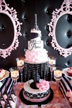 Parisian Baby Shower by Myra owner of Celebrate! I am speechless. This black and pink Parisian Baby Shower is stunning. From the dessert table to the flowers. Baby Shower Cupcakes For Girls, Baby Girl Shower Themes, Girl Cupcakes, Girl Themes, Baby Shower Favors, Baby Shower Gifts, Baby Shower Paris, Parisian Baby Showers, Shower Bebe