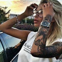 tatuajes para mujeres morenas en el brazo