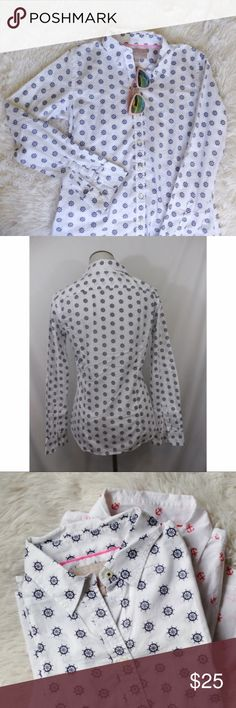 BANANA REPUBLIC nautical soft wash button down top Brand: Banana Republic   Size: S   Condition: excellent condition      Measurements:   Length: 22in   Chest: 18in      *soft wash style   *100% cotton Banana Republic Tops Button Down Shirts