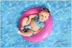 Shana Griffin Photography- Newborn baby floating in the pool- Swanky prints backdrop Baby Girl Pictures, Baby Girl Photos, Newborn Pictures, Baby Pool, Baby Swimming, Summer Baby Photos, Swimming Pool Photography, Baby Float, Monthly Baby Photos