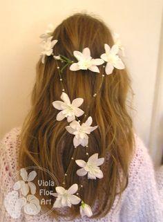 Image result for komunijne wianuszki z żywych kwiatów