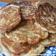 Hoecakes or Fried Cornbread - The Southern Lady Cooks I use vegan almond/cashew milk and egg replacer Biscuit Bread, Biscuit Recipe, Cajun Cooking, Cooking Recipes, Breakfast Pancakes, Breakfast Recipes, Tasty Bread Recipe, Bread Recipes, Fried Cornbread