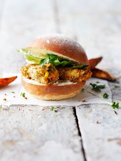 Why miss out on fish finger sandwiches just because you're a vegetarian? Try this super healthy, super tasty veggie fish fingers recipe from Jamie Oliver! Mini Sandwiches, Finger Sandwiches, Jamie Oliver, Vegetable Recipes, Vegetarian Recipes, Healthy Recipes, Lunch Recipes, Nigella, Fish Finger