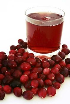 Natural Healing Herbs - Herbal Remedies: Home Remedies For UTI Cranberry Juice Detox, Drinks With Cranberry Juice, Cranberry Juice Benefits, Cranberry Cocktail, Natural Treatments, Natural Cures, Natural Healing, Healing Herbs, Medicinal Herbs