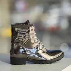 Ghete dama imblanite piele eco lacuita metalizate Dr. Martens, Combat Boots, Sport, Casual, Fashion, Deporte, Moda, Fashion Styles, Combat Boot
