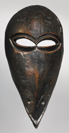 Chokwe Bird Mask, Angola Height: 12 in cm) Reportedly collected in situ before 1939 READ cat. Zoo 2, African Masks, African Art, Art Sculpture, Sculptures, Elmo, Bird Masks, Art Premier, Masks Art