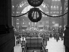 26 Dec 1941, New York, New York, USA --- Main concourse of Penn Station.