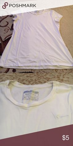 ⭐️ White Nike T-shirt White Nike T-shirt size extra large sports tee great condition it's nice material it's also the Nike dry fit Nike Tops Tees - Short Sleeve