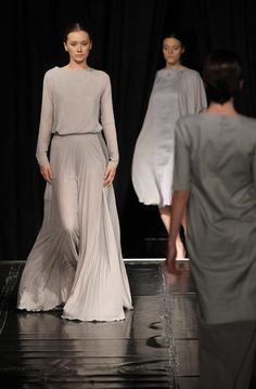 Blog Diamonds Fashion: Lucie Králová, photo by Tibor Gécy Long Dresses, Formal Dresses, Chunky Knits, Fashion Show, Diamonds, Gowns, Blog, Dresses For Formal, Vestidos