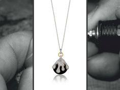 """There is a special piece of jewelry for every moment."" // ""Há uma jóia especial para cada momento."" // ""Hay una joya especial para cada momento"".  COL4379  #looxe #looxejewelry #oro #plata #collarenoroyplata #collarlooxe #joyas #mujeres #moda #joyería #looxe #looxejewelry #ouro #prata #colar #colaremouroeprata #colarlooxe #joias #moda #gold #silver #necklace #goldandsilver #necklacelooxe #jewelry #fashion"
