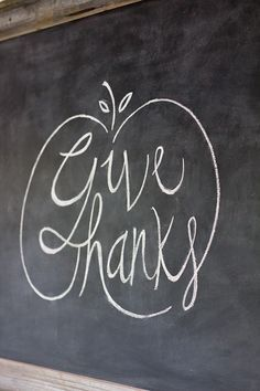 Give Thanks - Easy Chalkboard Lettering Tutorial + Free Fall Template! Chalkboard Diy, Chalkboard Lettering, Chalkboard Designs, Halloween Chalkboard Art, Chalkboard Writing, Chalkboard Sayings, Chalkboard Doodles, Thanksgiving Crafts, Thanksgiving Decorations