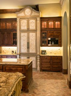 Mediterranean Kitchen Stenciled Kitchen Cabinets, also LOVE the herringbone pattern brick floor! Tuscan Kitchen, Kitchen Design, Brick Flooring, Flooring, Painting Kitchen Cabinets, Mediterranean Kitchen, Farmhouse Flooring, Brick Kitchen, Floor Design