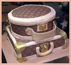 Louis Vuitton Purse-Cake: for julies next bday!!
