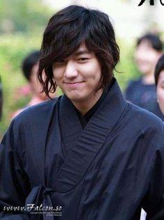 Cute Lee Min Ho - Faith (Korean Drama) 신의 @Karen Darling Space & Stuff Blog Ripley.  Here's your favorite Korean man!