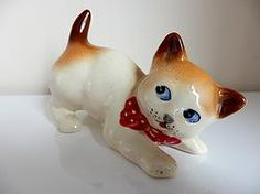 Cute Retro Kitsch Ceramic Cat Figurine