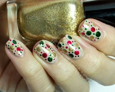 The Nail Network: TDOCNAS 2014: Day 7: Festive Dotted Nail Art