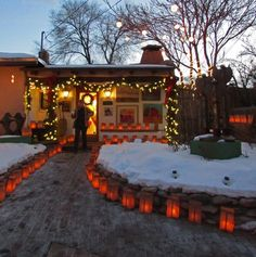 Elizabeth Rose shares 3 charming things to do in Santa Fe New Mexico at Christmas for a truly southwestern holiday experience. Mexico Christmas, Christmas Vacation, Christmas Baby, Homemade Christmas, Travel New Mexico, New Mexico Homes, Santa Fe Style, Mexico Style, New Mexican