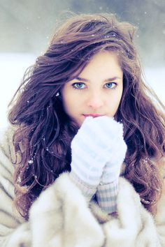 Love this overall wintery look, hair makeup and cute mittens