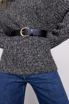 COSA HO RICEVUTO PER NATALE 2020. Metal Buckles, Belt Buckles, Zara United States, What To Wear, Canada, Products, Fashion, Gray, Moda