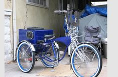 No matter what kind of ride you roll in, you gots to pimp that shiznit. yeah even if it's a bicycle. Then check these 14 Pimped Tricycle Bike, Trike Bicycle, Bicycle Girl, Velo Cargo, Bicycle Quotes, Lowrider Bicycle, Chopper Bike, Old Bikes, Cool Bicycles