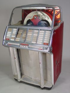 1950s jukebox. My fella has one very similar. Love listening to it. I want one now but not sure I have room in my flat. :-)
