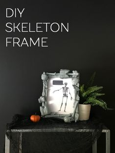 DIY Halloween Skeleton Frame Fairy Halloween Costumes, Halloween Skeletons, Halloween Projects, Diy Halloween Decorations, Easy Projects, Halloween Ideas, Holidays Halloween, Halloween Crafts, Halloween Party
