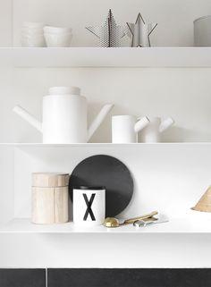 Home Decor . Interior Design Inspiration . My Modern Kitchen . Black and White .